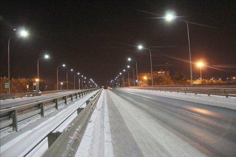 Светодиодное освещения автомобильного моста