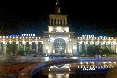 LED подсветка ЖД вокзала г. Ереван