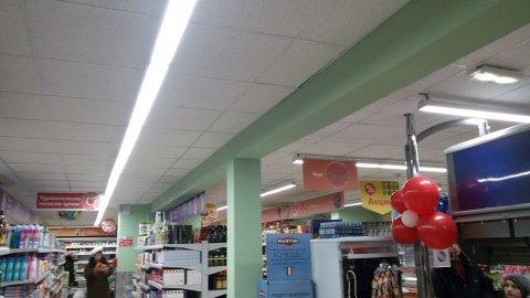 Линейные светодиодные светильники в магазине сети Пятерочка