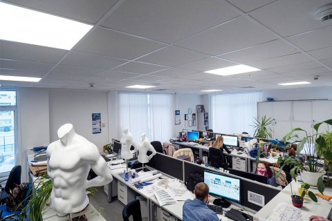 Офис сети магазинов Спортмастер с новыми LED светильниками от ЛидерЛайт
