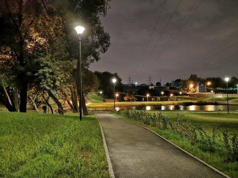 Освещение территории пруда Street-18