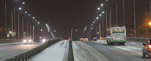Освещение моста, Тюмень